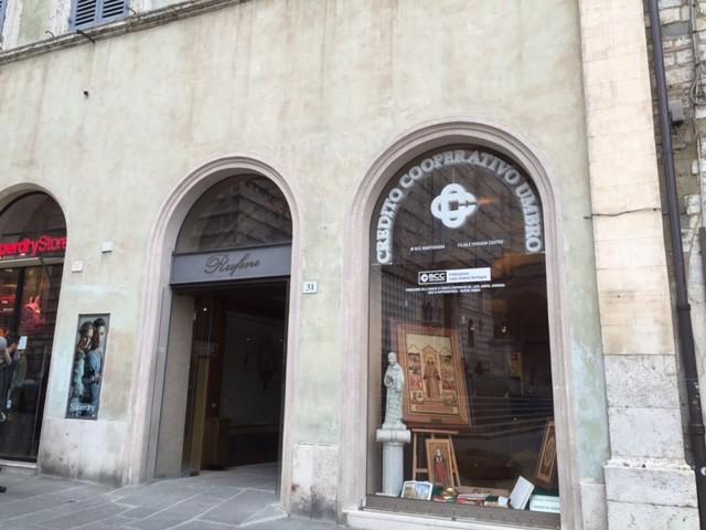 Massimo Mariani DIREZIONE, COORDINAMENTO E CONTABILITÀ DEI LAVORI PER LA REALIZZAZIONE DELLA FILIALE DELLA BANCA DI MANTIGNANA IN PIAZZA IV NOVEMBRE N° 31 A PERUGIA (6)